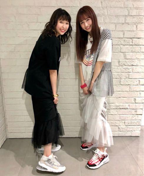 このあーりんとしおりんが漫才JAPANで履いてた靴のブランド特定をおねがいします!