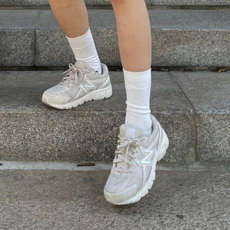 こちらの靴を購入したいのですがなんと検索したら出てきますか? スニーカー new balance