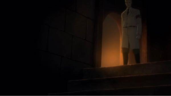 ファルコの案内でライナーの古い友人(エレン)に会いにいくシーンで地下へ続く階段を見たときライナーが「あぁ、」と言い、少し止まる描写がありました。 これは巨人の保有者として地下に行くことを本能的に...