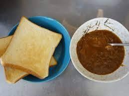 食パンを焼いてレトルトカレーにつけて食べたことありますか?