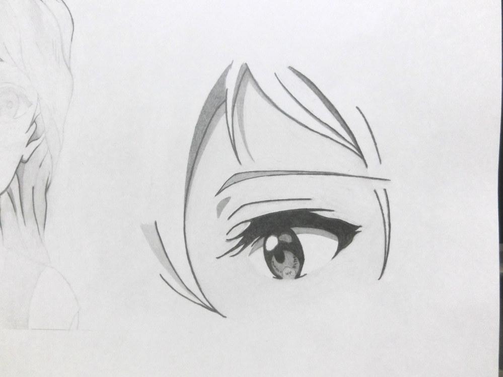 目です。京アニ目です。 模写じゃないです。模写の経験から描きました。 川井さん消しました。 わかりにくいですが肌に10Hで色つけてるので白目が少し浮いてきてると思います。 評価、アドバイスお願いします。