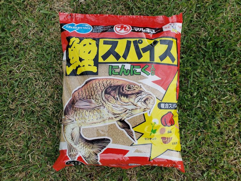 鯉釣りでこの餌を使ってるんですが(単品)餌自体に興味は示すのですが全く食べてくれません。なにが原因なんでしょうか。 パン丸めて撒いてみると結構食べてます