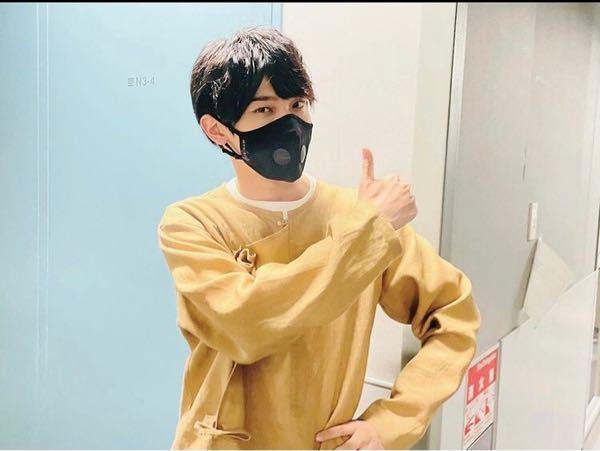 こんにちは。 横浜流星さんが着用しているコチラのマスクのメーカーがわかる方、お教え頂けますと幸いです。