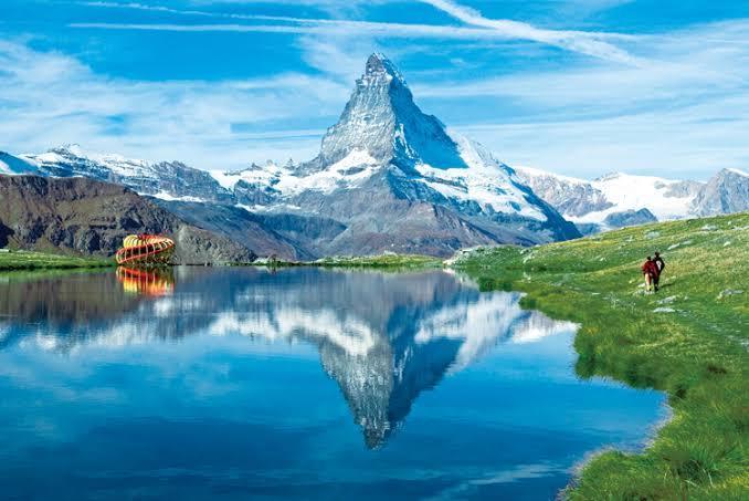 スイスにはなぜロレックス、オメガ、タグホイヤーなどの高級ブランドの本社がたくさんあるのですか?