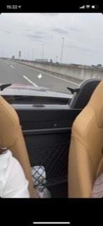 この写真の車種名わかる方いますか? 左ハンドルで2シートオープンカーです