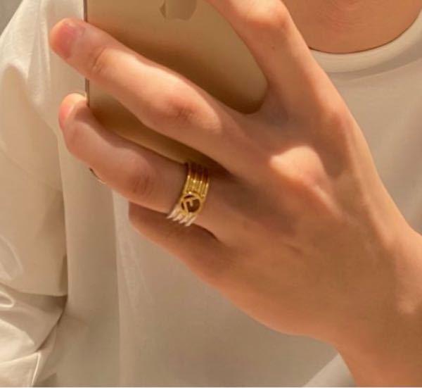 この指輪のブランドがわかる方教えてください
