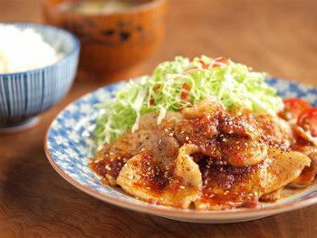豚の生姜焼きには七味唐辛子をかけますか?
