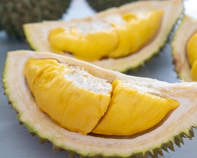 ドリアンは「果物の王様」と呼ばれるほど美味しいと言われていますが、しかしめっさ臭いらしいですよね。 食べた事のある人はそんなに美味しかったですか?