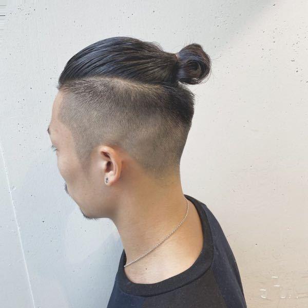 僕はハチ張りで斜頭という自転車のサドルみたいな頭の形をしています この髪型って似合わないですよね? また、ハチ張りでも刈り上げツーブロ以外でおしゃれな髪型教えて欲しいです