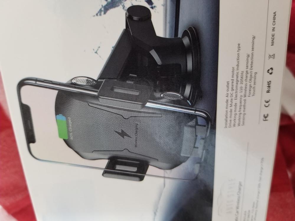 車で使用するワイヤレス充電器について教えてください。 現在、中国製のワイヤレス充電器を使用していますが、シガーソケットに差した状態でエンジンをかけても、充電器が起動しません。 そこで、そのままU...