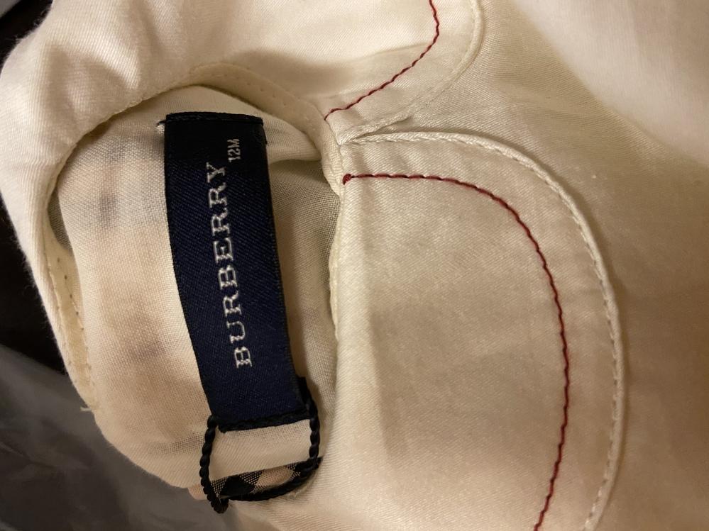 バーバリーのベビー服を メルカリで購入しました、 バーバリーのみの表記のタグですが 偽物なのでしょうか?
