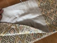 着物に詳しい方に質問です。骨董市でこの袋帯を購入したのですが、これは六通柄の袋帯ですか? 柄がないところの裏に柄があったのでどうなんだろう?と思いました。また、この場合柄がない面を内側にして着付けていいのでしょうか?
