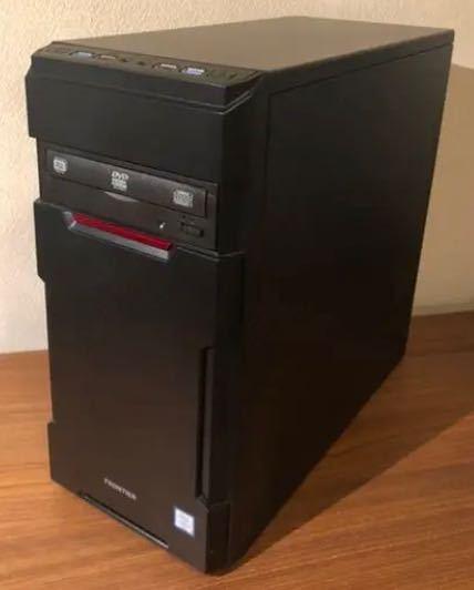 マインクラフトをやるためにゲーミングPCを買おうと思っています。キーボードとマウスは持っているため、モニターを購入したいと思っています。 ですが、ゲーミングPCと調べると大きな黒い箱のようなものしか出てきません。あの黒い箱の正体はなんなのでしょうか。また、黒い箱が無いとマインクラフトをプレイすることはできないのでしょうか。