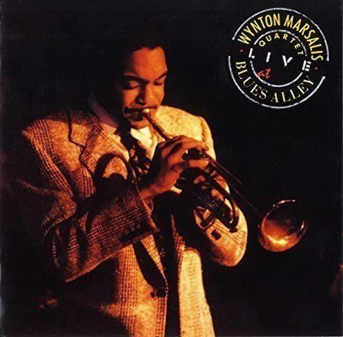 ジャズで現代でも、かたくなに スーツ、ネクタイを着用している 演奏家を紹介してください。