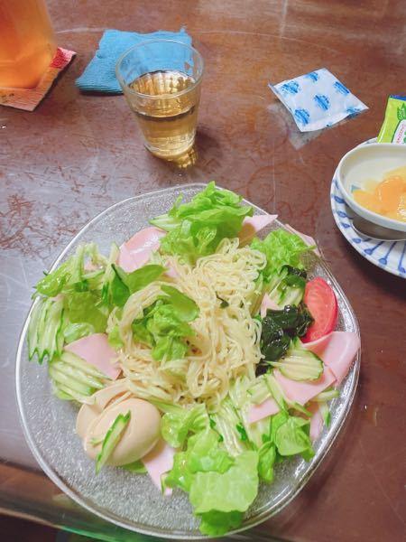 この野菜冷やし中華はカロリーどのくらいですか? 麺は細麺です!