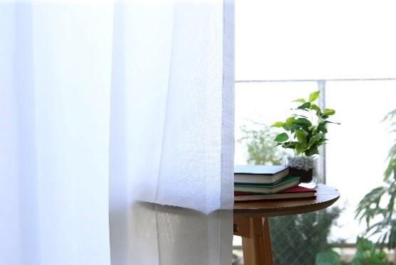 季節によってカーテンも替えていますか??
