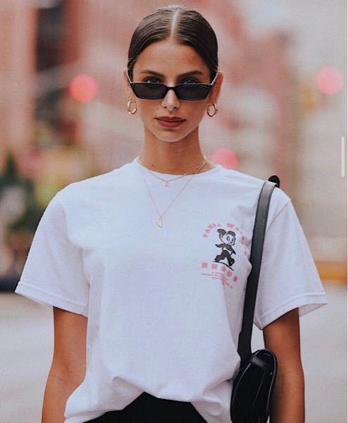 ブルーナ・リリオさんのこのサングラスはどこのブランドでしょうか?