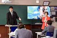 ゆりやんレトリィバァさんが実は長澤まさみちゃんよりも年下だったって聞いても特に驚く事でもない話でしょうかね? TBSドラマで阿部寛さんが主演の「ドラゴン桜」 7回目は英語の先生でゆりやんがやって来たけども 今回のドラゴン桜も前回シリーズと同様に数人先生来たけどまさみちゃんよりも年下の先生はゆりやんが初めてで