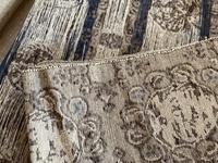 こちらの帯は単衣の時期に向きますか? 松葉仕立ての名古屋帯です。紬地です。芯が入っていないので、軽い締め心地なのですが、織というか柄というか、ほっこりした感じもあり、6月の単衣の時期にはどうなのかいまいち自信を持てません。 あまり着物を着る機会がないのと、また金銭的にも、たくさん帯や小物を揃える必要、余裕がなく、手持ちのものでスリーシーズン行けたらな、と思っているのですが... どうお感...