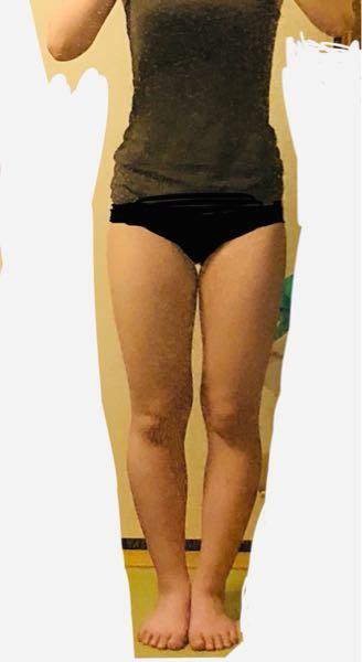 写真あり! この脚太いですか? あと、この脚でミニスカートを履くとやっぱり見苦しいですかね? 率直な感想をお願いします! 出来れば男性か女性かも教えて頂けると参考にしやすいので有難いです。 よろしくお願いします!