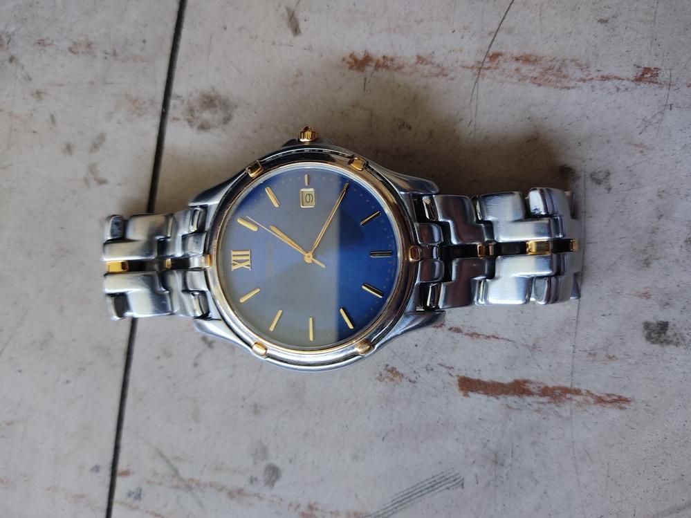 SEIKOの時計です。1998年代のスピリットを売りたいんですけど、何円ぐらいで売れそうですか?