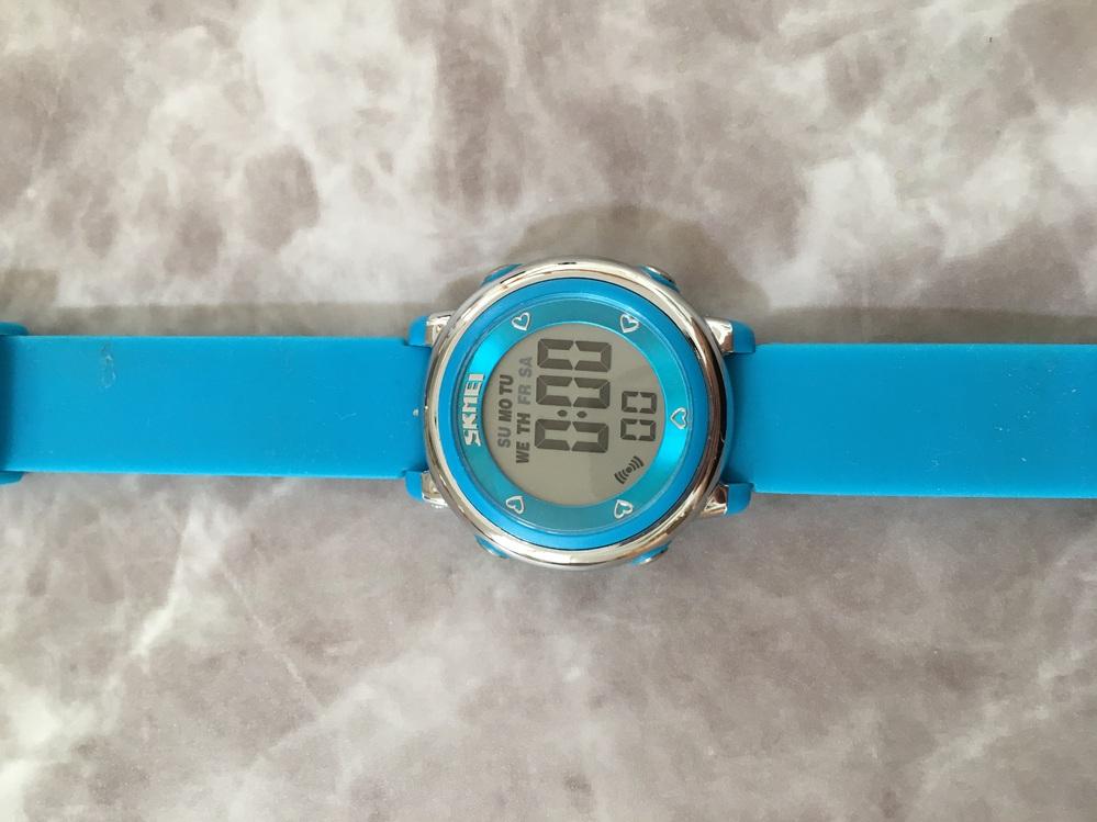 SKMEIカラフル時計の時刻の合わせ方。アラーム解除の方法教えてください