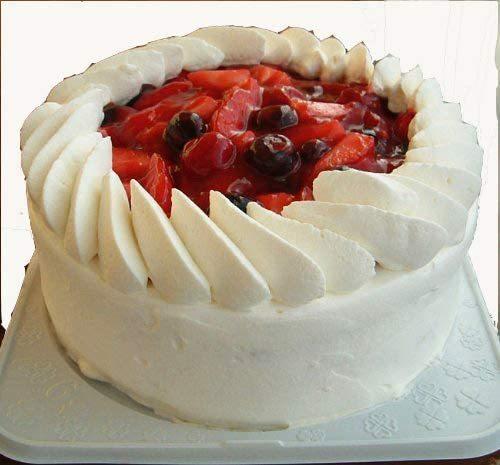 ▲クリーム多いショートケーキとクリーム少ないショートケーキ、どっちが好きですか!?