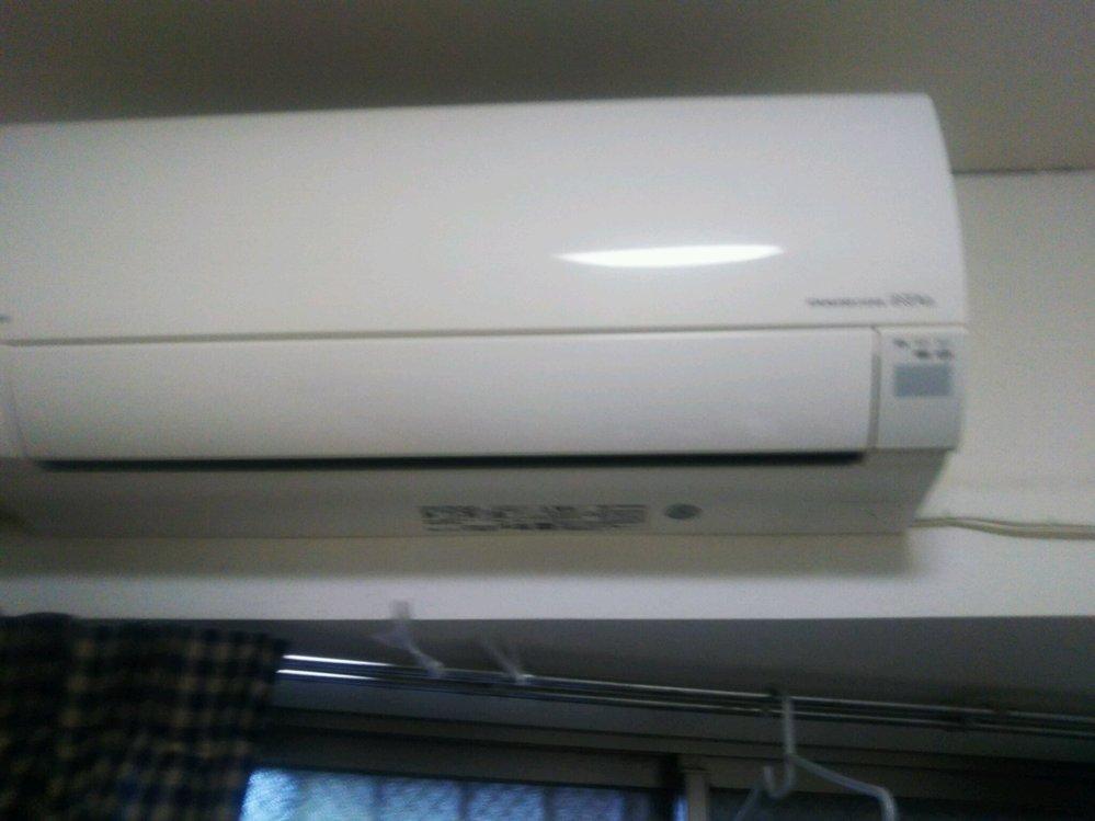 エアコンが臭い。これを使って簡易的に治す方法はありますか。日立、しろくまくん です。