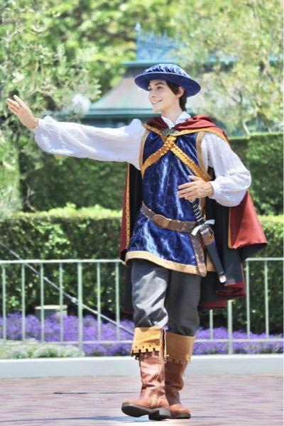 ディズニーのこの衣装の人は誰ですか?