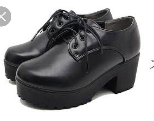 フードコートのアルバイトの面接で、こういう靴はNGでしょうか?写真ほど厚底ではないですが…。 学生です。