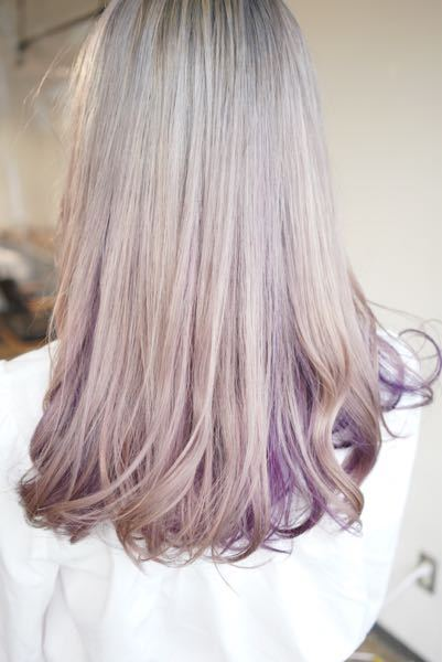 こうゆう髪色にしたいのですが私はイエべ秋で 肌の色も黄色系よりです。 やはり似合わないですかね? 美容師の方で詳しい方がいらっしゃったら詳しくお聞きしたいです。
