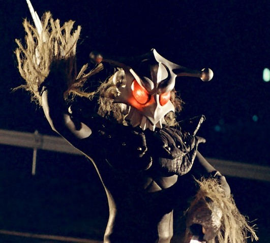 特撮で名前が「つ・づ」から始まる名前の「怪獣」と「宇宙人」といえば各々何を一番に選びますか? ・「怪獣」は、番組による超獣や魔獣など呼び名の違いを含み、ロボットを加え、一匹を選び特徴や想い出など一言も添えて回答ください。 ・「宇宙人」は星人を1種類選び特徴や想い出など一言も添えて回答ください。 ・できたら回答する怪獣、宇宙人どちらかの画像添付もお願いします。 ※注:怪獣か怪人の片方だけの回答でも結構です。仮面ライダーやスーパー戦隊などに登場する等身大の「怪人」は除外とします。 無回答になった質問は取り消します。