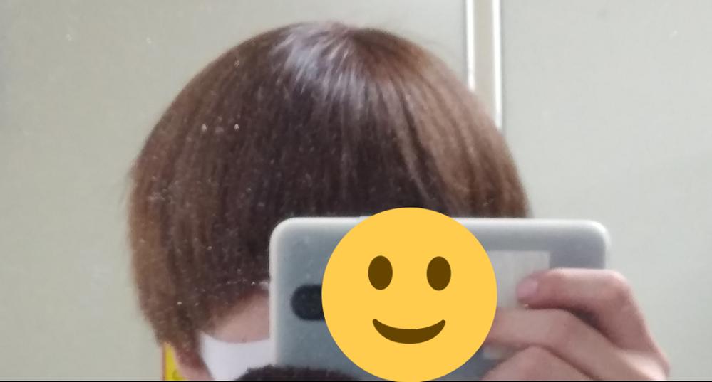今度、工場(食品、部品)の面接を受けるのですがこの髪の色は明るすぎるでしょうか?