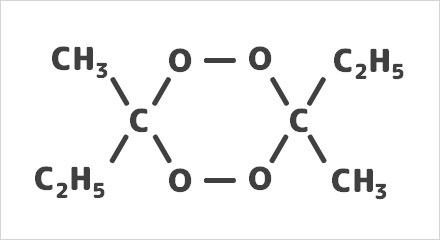なぜエチルメチルケトンパーオキサイドは名前にケトンが付いているのにケトン基を持たないのですか?