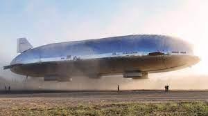 なんで、飛行船じゃなくて飛行機で旅行ばかりするんですか。