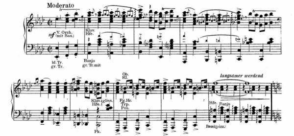 この楽譜がピアノ用ではないと どこで思われるのですか? https://detail.chiebukuro.yahoo.co.jp/qa/question_detail/q11244742356