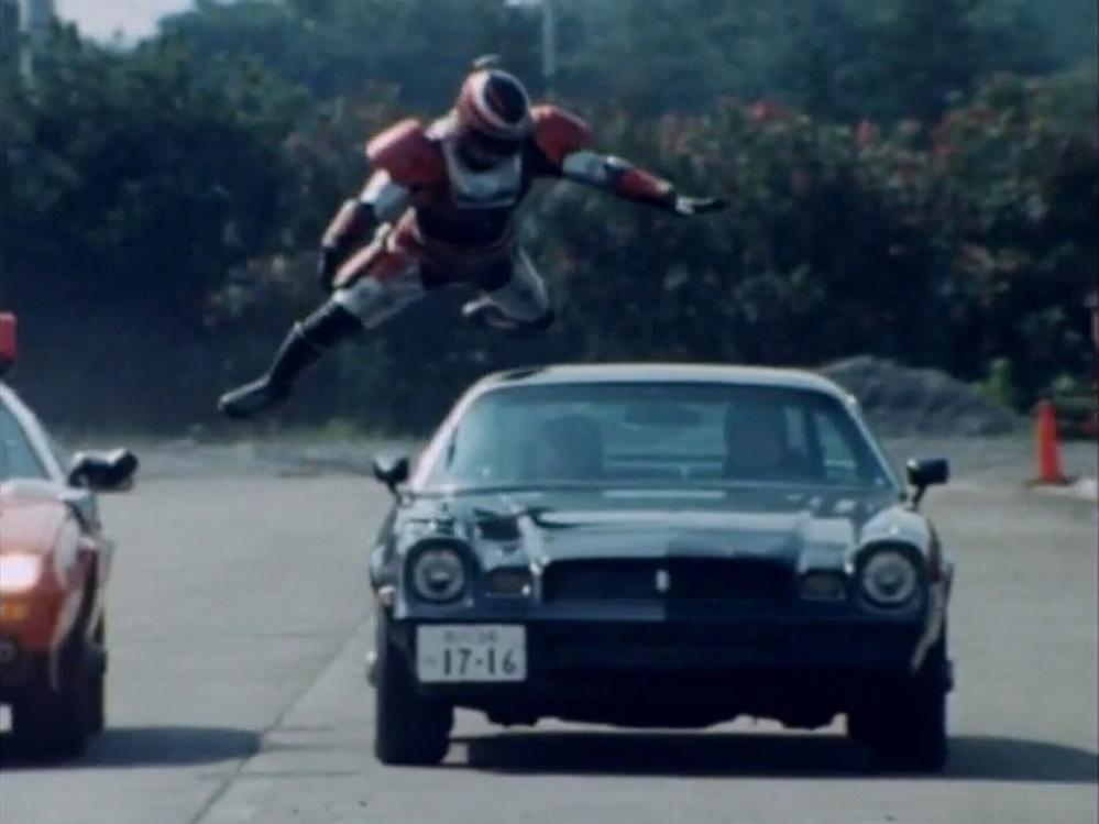 あなたが、次の言葉で思い浮かべるアニメや特撮(作品やキャラクター)は? 「車などに飛び移る」