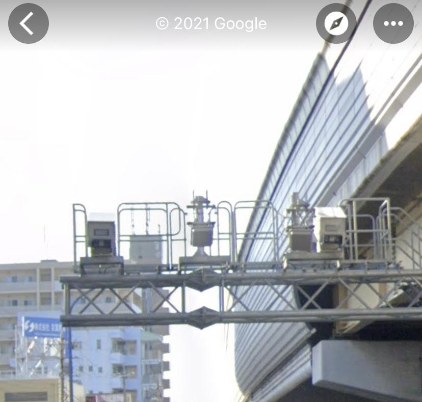 千葉県 オービス 篠崎ICの出口付近にあるこの装置はオービスなのでしょうか。 夜だったためよくは見えなかったので気になりました。 また、70km/h程でていたのですがこの区間の制限速度はいくつなのでしょうか。 よろしくお願いいたします。