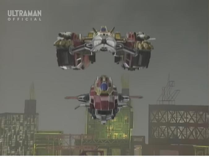 アニメや特撮作品の中で「走行または飛行中にマシンを分離させる」と聞き、思い浮かべるのは何ですか? 下記は『ドラゴンフォートレスから分離したダイナファイターとキングジェット』です。