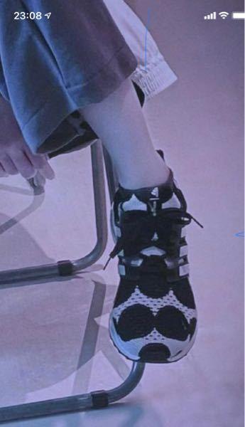このゆきむら。さんが履いている運動靴はどこのブランドのものですか? #ゆきむら。#殿厨 #メンズシューズ #レディースシューズ