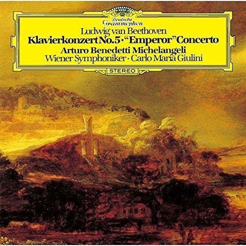 ベートーヴェン:ピアノ協奏曲第5番 変ホ長調 op.73 『皇帝』 皆様は誰の演奏がお好きですか。 私は最近は、アルトゥーロ・ベネテッディ・ミケランジェリ(ピアノ)ジュリーニ指揮ウィーン交響楽団を聴いてます。 ヴィルヘルム・バックハウス(ピアノ)も良いと思います。このお二人のユーチューブもどなたか貼っていただけますとありがたいです。私のスマホではできなくて。
