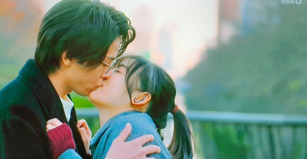 2人のキスって、どんな味がするんでしょうね? キスしてる時は演技でも、好きになっちゃうんでしょうか。