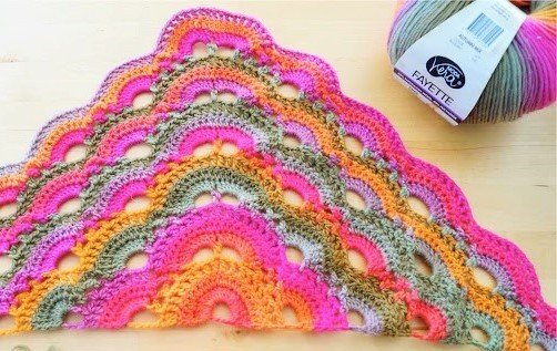 この毛糸ご存知の方いらっしゃいませんか? 海外品の様ですが、メーカー・品番がわかれば助かります。 どうぞよろしくお願い致します。