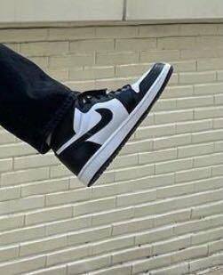 ジェヒョンくんが履いているこのNIKEの靴の商品名わかる方いらっしゃいますでしょうか?