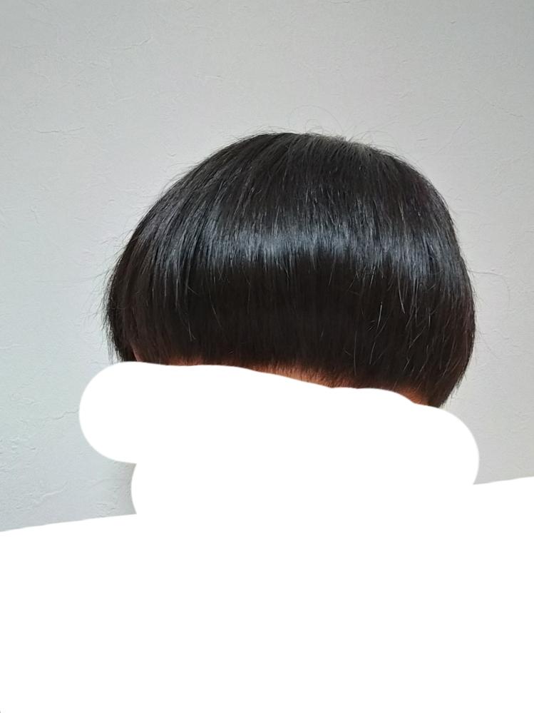 コイン250枚!髪型がミスりました! 昨日美容院に行ったところ、前髪ぱっつんのマッシュ風になってしまいました…… 対処法はないですか? また、ワックスでどうにかなるでしょうか。