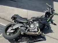 このバイク事故で、ライダーが擦り傷と打撲なんて事あり得ますか?