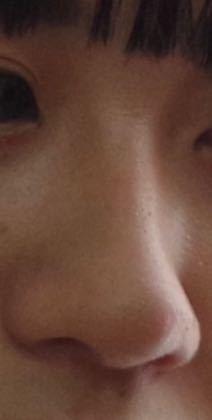 この鼻の形ってなんといいますか?団子鼻…鷲鼻…?
