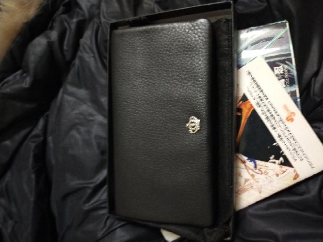 この財布のブランドってなんですか?