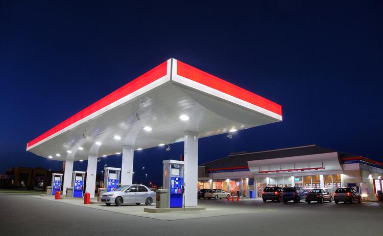 大喜利 ガソリンスタンドを利用する時にやってはいけない事を教えてください