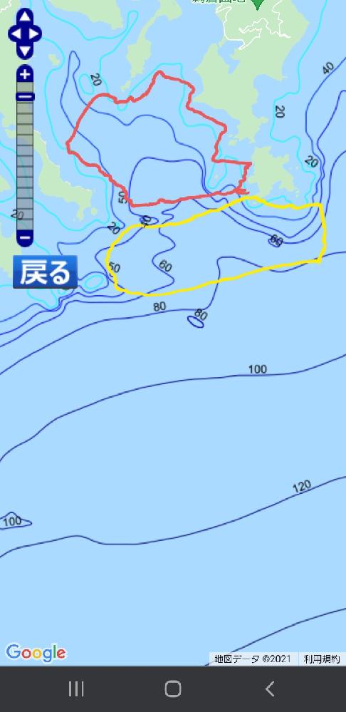 ボートでの釣りポイント探しとして、漁師の船位置は参考になりますか? 画像の赤いエリアは、ギリギリ湾内で、波も穏やかなエリアです。しかし、あまり釣れません。釣れたとしても25cn程度のサイズが2時間に1匹釣れる程度です。 一方、黄色のエリアは湾を出て外洋に出たすぐというところです。波も赤色のエリアとは異なり、波も高めでうねりも出ることが多いです。しかし、釣果は30cmオーバーもよく釣れ、2時間で4~5匹は釣れます。 明らかに黄色のエリアの方がよく釣れる傾向があるのですが、不思議なことに赤色のエリアでも漁船が4~6隻はいるのです。波も穏やかで、浅いのにです。岸から100m以内のところにいる漁船もいます。 釣れる印象はあまりないエリアですが、経験豊富な漁師さんがいるということは、実はよく釣れるポイントだったりしますか? 漁船がいたポイントを後から探るのは、釣果アップに繋がりますか?